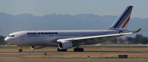 Air_France_A330-200_F-GZCN_cropped.jpg