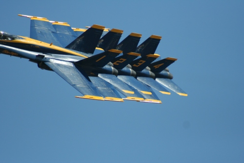 Blue_angels_in_line_2
